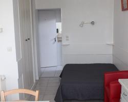N°65 Studio - Tarif cure charges comprises : PRIX BS : 480€ / MS : 530€ / HS : 610€
